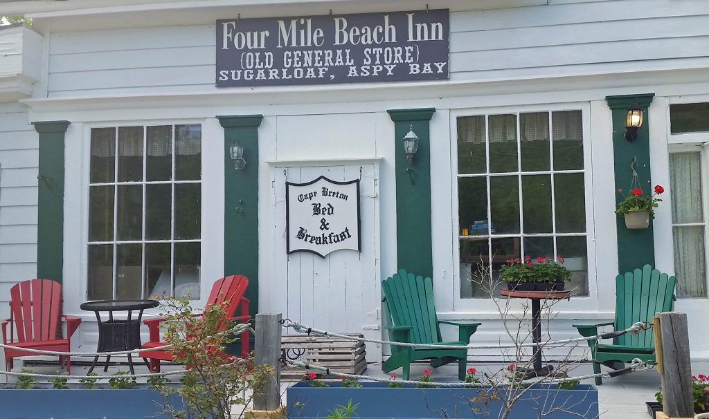 Four Mile Beach Inn - Sugarloaf Village