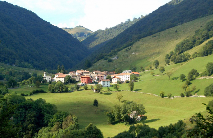 Stunning Views of Valle Intevi near Villa Castagnola